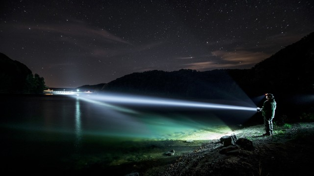 001-nocne zdjecia latarek - kalendarz mactronic 2013