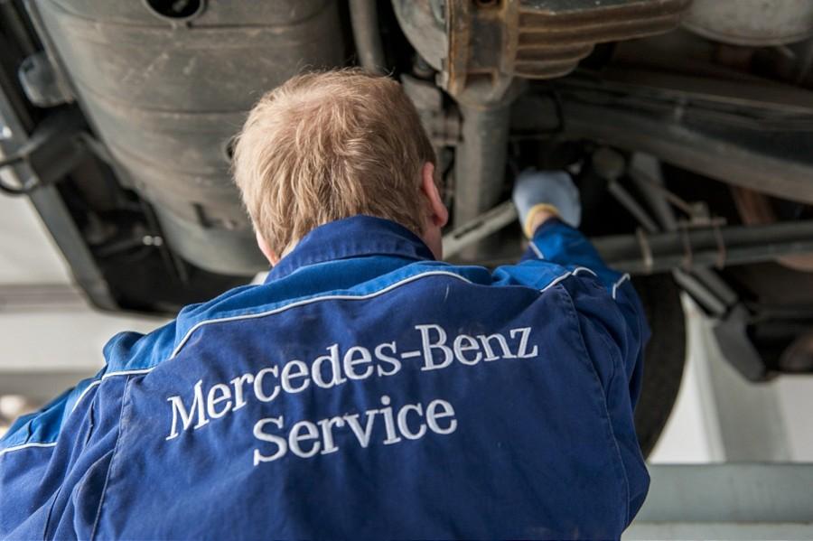 Wnętrze serwisu Mercedesa, fotografia wnętrz, zdjęcia do katalogu, fotografia reklamowa