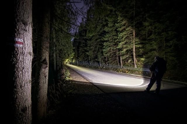 006-droga do morskiego oka, nocne zdjecia latarek mactronic wykonane w gorach tatrach